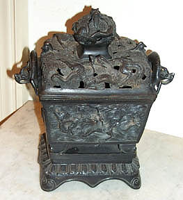 China Bronze Pot : Dragon Incense burner