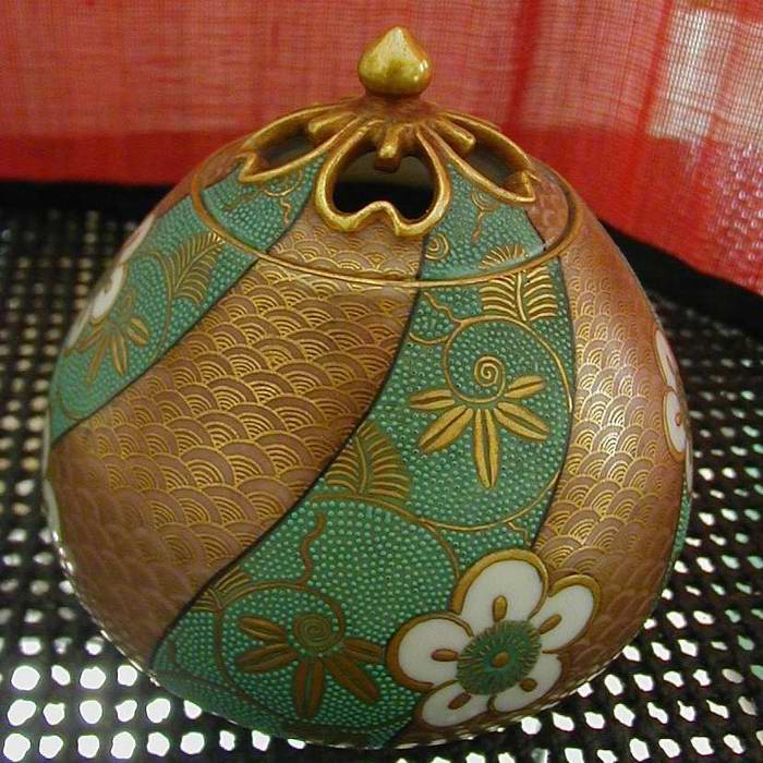 Japan Ceramic Vegetal : Plum Incense burner