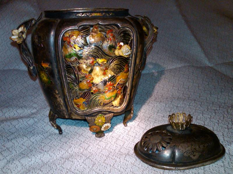 Metal Box : Chicken Incense burner
