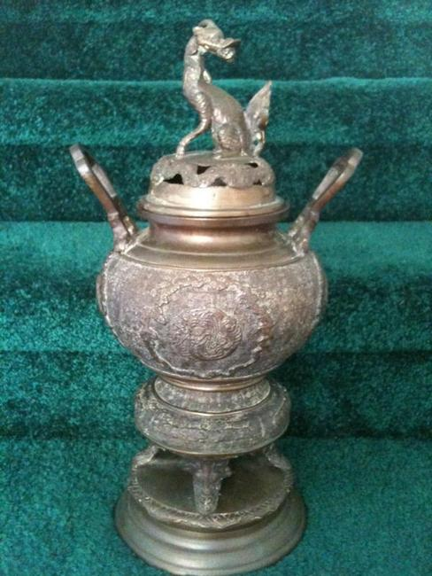 Oriental Bronze Pot : Dog Incense burner