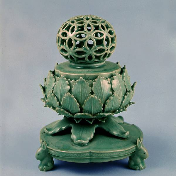 Korea Porcelain Vegetal : Chrysanthemum Incense burner